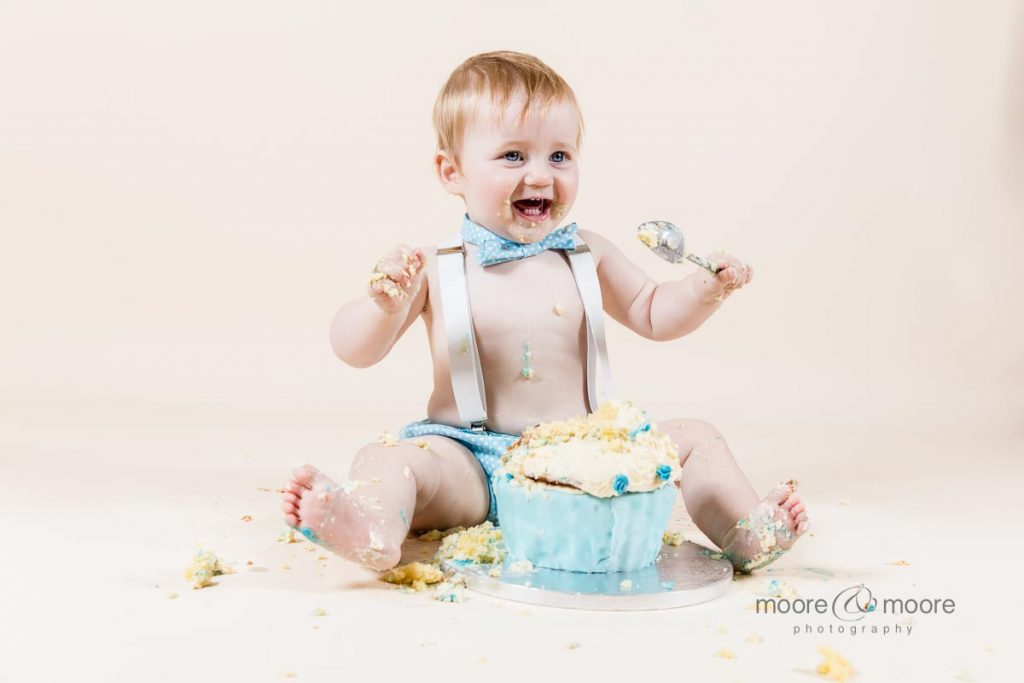 how to have the perfect cakesmash - photography from moore&moore photography