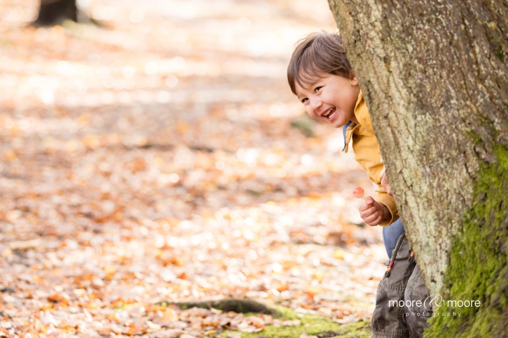 Autumn family photo session - children enjoying the woods. Photography by Helen Moore, moore&moore photography